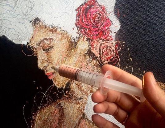Необычная живопись: филиппинка Кимберли Джой Магбануа рисует картины с помощью шприца.